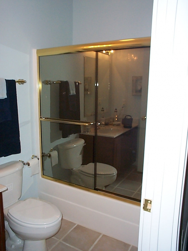 Bikini Bypass Tub with Reflective Glass