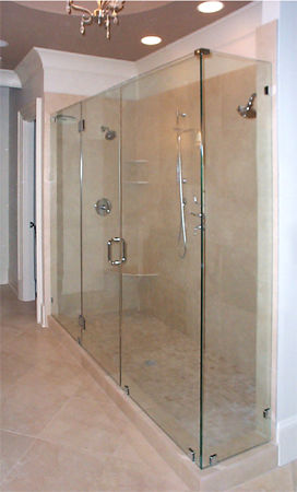 Frameless Door, Inline Panels with Corner Blade and Short 90 Return