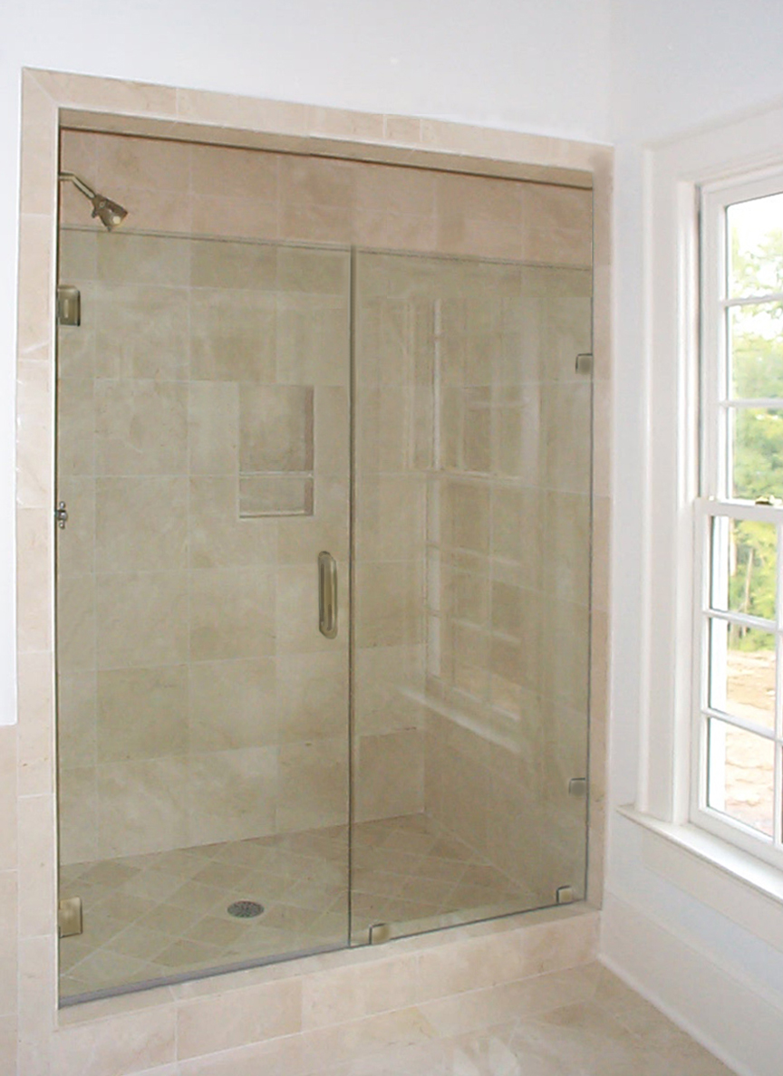 frameless closed door w inline panel